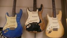 left-handed-guitar-haar-aged