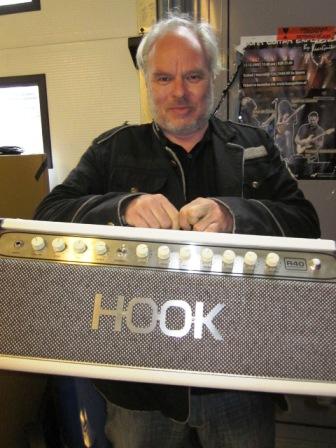 nico-dijkshoorn-hook-amplifier