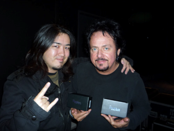 steve-lukather-with-his-providence-anamide-chorus